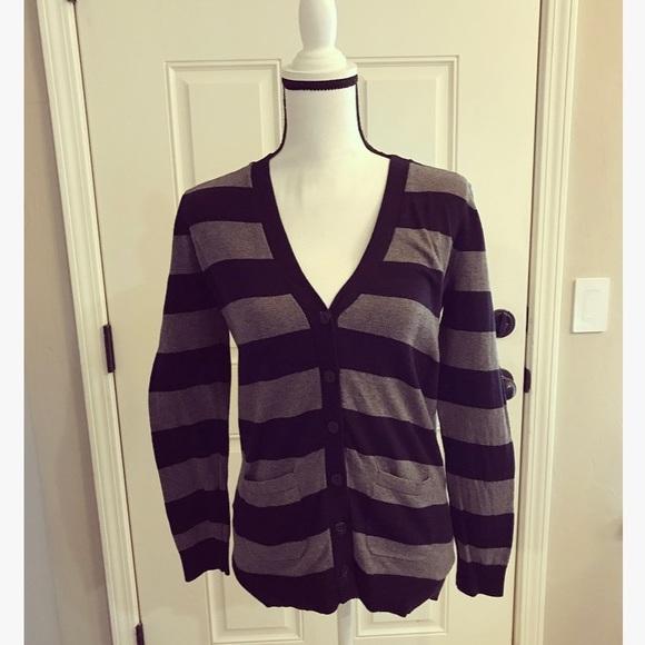 Ann Taylor Sweaters - Ann Taylor Loft Cardigan With Pockets